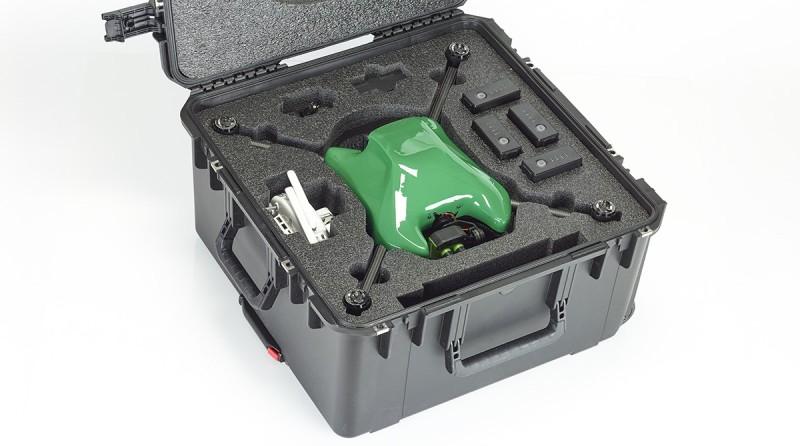 Sentera Omni 套裝包含無人機、4K 雙鏡頭模組、兩塊電池、耐用的硬身收納盒。