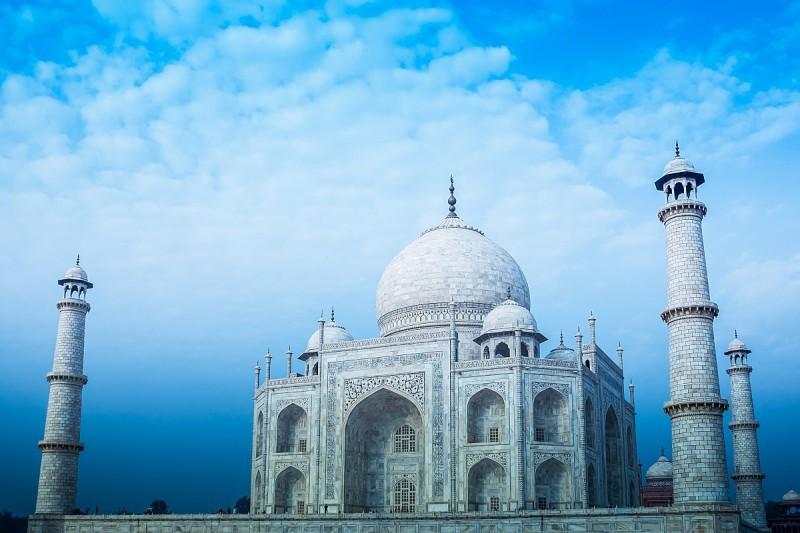 印度政府已將泰姬陵列為無人機禁飛區,嚴禁在陵內或附近進行空拍活動。