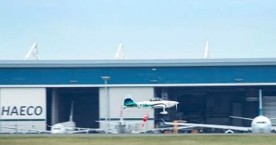 「香港起飛」B-KOO 小型飛機環球飛行 78 天 完成壯舉凱旋返港