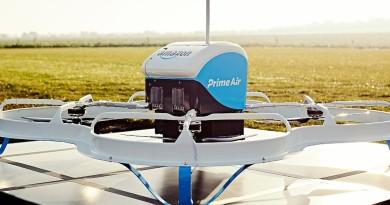 亞馬遜無人機從飛船母艦脫出 直降地面極速送貨!
