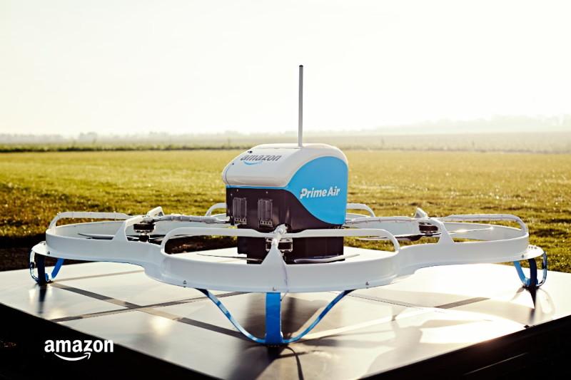 Amazon 首次對客用無人機送貨 - 無人機