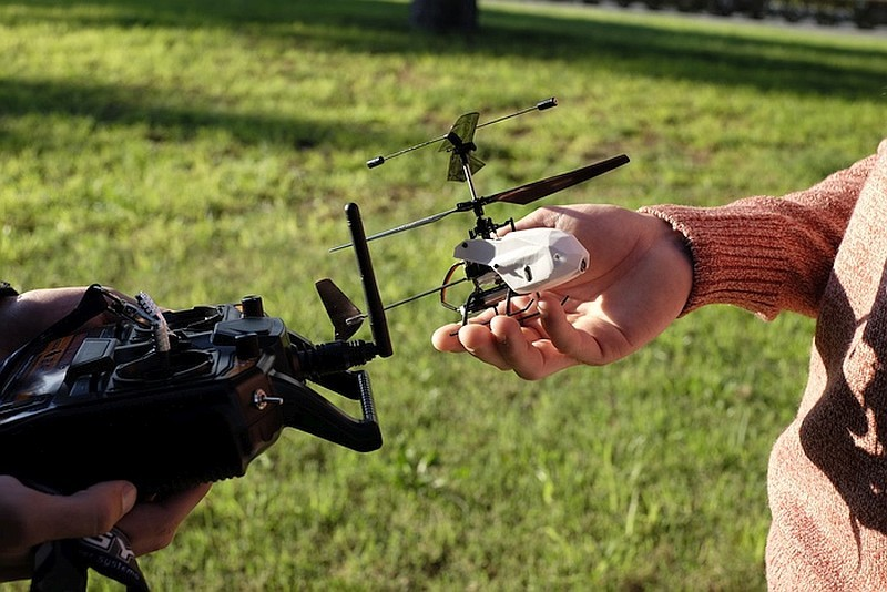 Droiko 採用雙槳同軸結構,旋翼直徑為 19 厘米,機身只有手掌般大小。