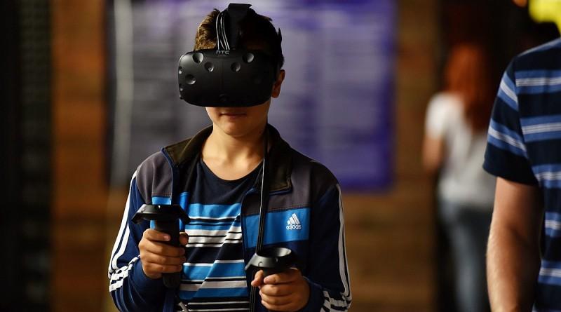 HTC Vive 2四大新功能猜想 無線設計•4K屏幕•120Hz更新率