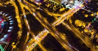 高空捕捉光軌之美 台灣空拍師傳授空中縮時攝影秘訣