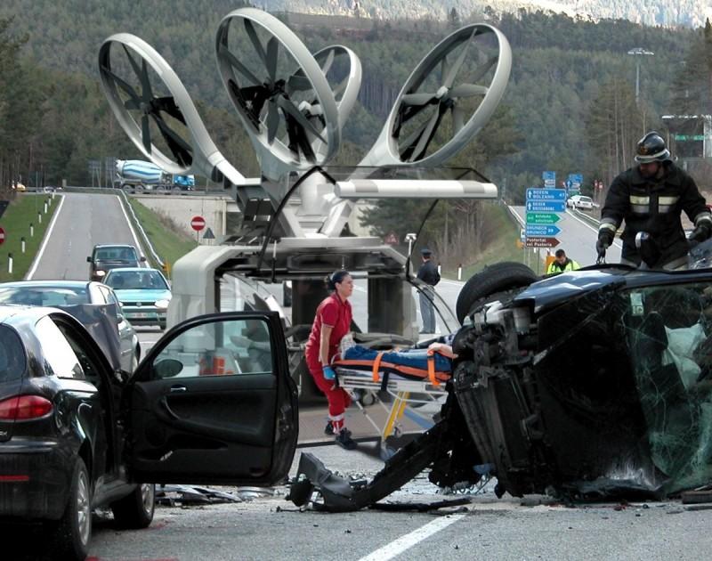 救護無人機能夠搭載一名救護人員,立即為傷者進行搶救,以及飛行途中照顧傷者。