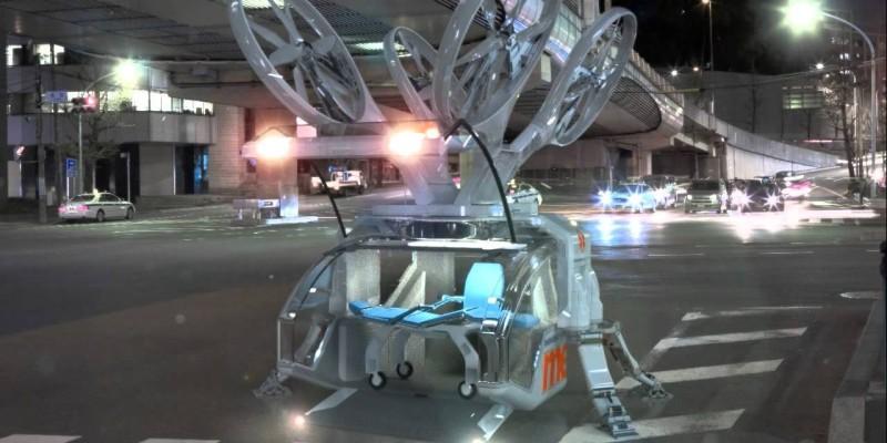 當救護無人機降落後,槳翼便會自動收起,隨後機艙門便會自動打開。