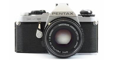 Pentax 傳推出 M-E 無反相機 採底片相機復古外形設計