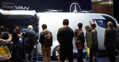 CES 2017回顧:平治全自駕客貨車 Vision Van 搭配無人機超酷亮相