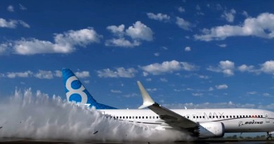 DJI Phantom 4 多角度航拍 波音 737 MAX 客機濺水測試過程