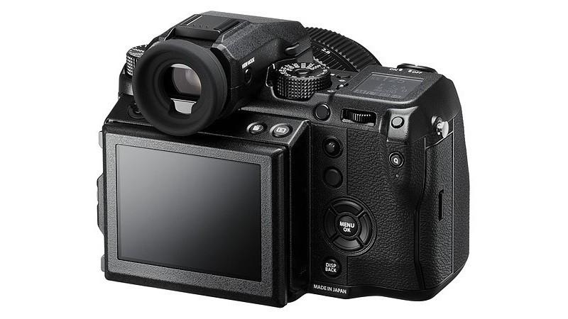 Fujifilm GFX 50S 機身背面的設有 3.2 吋觸控屏幕。