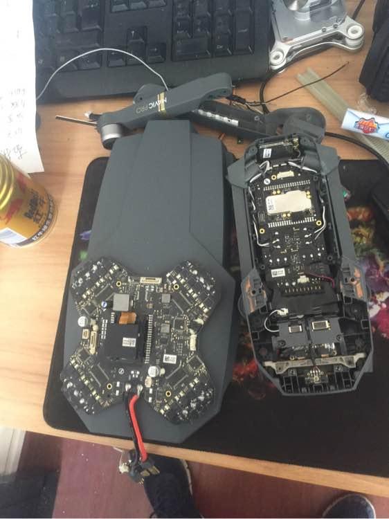 由 3D 列印機製作的改裝版機殼, 比正版 Mavic Pro 大得多。