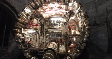 真人版「鋼鐵人」Elon Musk:飛天汽車發生意外會「斬你的頭」