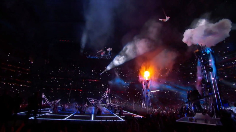 Lady Gaga - Sugar Super Bowl LI Halftime Show - 空降舞台