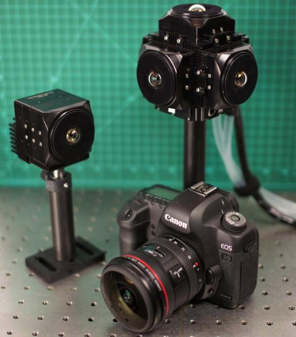 PMast VR 攝影機的體積跟一部單眼相機相若,目前其他專業級機種的機身便難以做到如此小巧。
