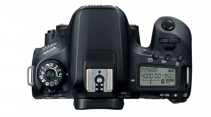 Canon EOS 77D 機頂設有資訊屏幕,這是跟 800D 的最大差別。