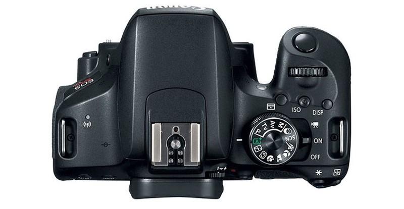 Canon EOS 800D 機頂不設屏幕,同時只有一組快速轉盤。