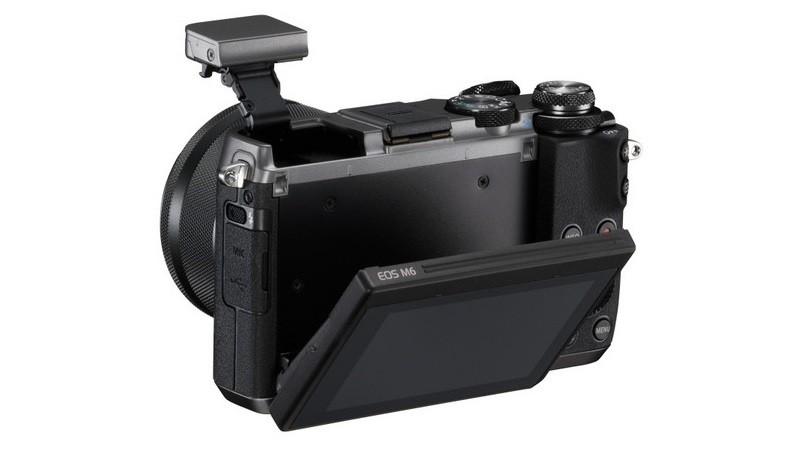 Canon EOS M6 具備內置閃燈和向上翻屏幕。