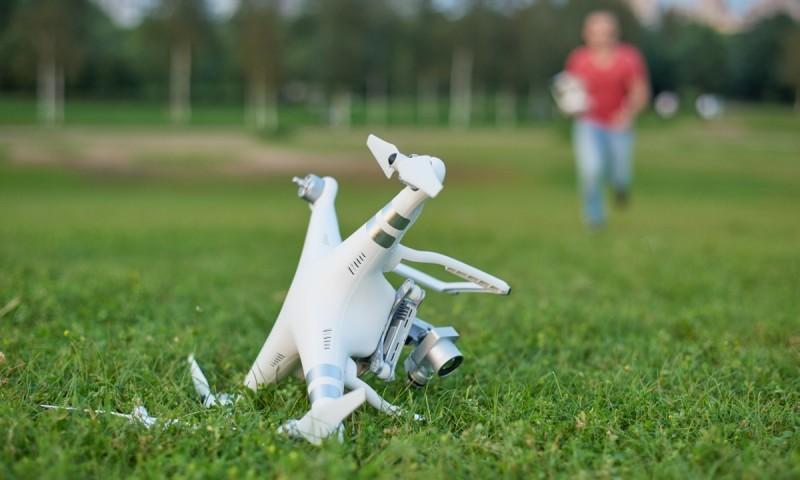 有保險公司表示,每 100 名無人機用家中,起碼會發生 50、60 炸機或摔機事故。