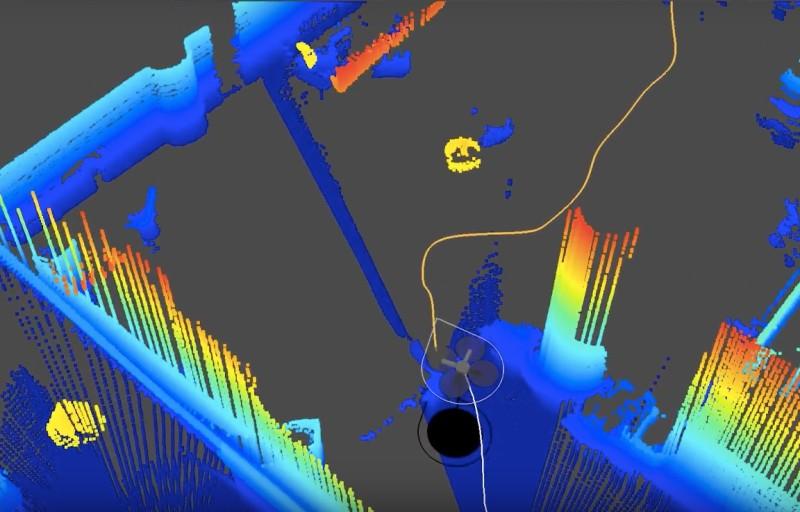 無人機會自動規劃飛行路線,並不斷更新地圖。