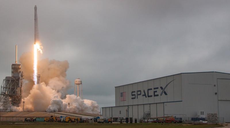 SpaceX 空拍機 火箭 回收