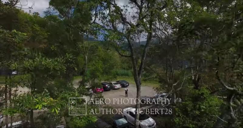 其中一段由拍攝者穿越林間再展望廣闊的風景,很有電影感。