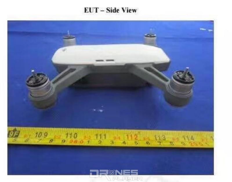 疑似是 DJI Spark 四軸機的機身長度為 13 厘米左右,明顯比 Mavic Pro 為小。