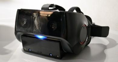 Qualcomm VRDK 頭顯內置 Leap Motion 180 度視角追蹤手指動作