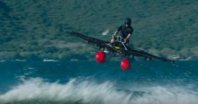 Kitty Hawk Flyer 水上起飛!Google創辦人投資的飛天車2017年底開賣