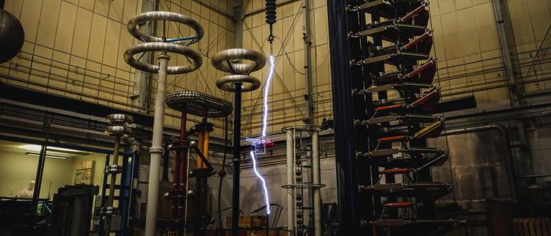 曼徹斯特大學The High Voltage Lab - DJI Phantom 3 vs 電擊