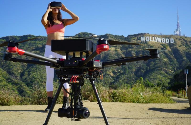 6K VR 空拍機 Flying EYE 能把全景空拍畫面圖傳直播至 YouTube、Facebook 或 VR 眼鏡之上。