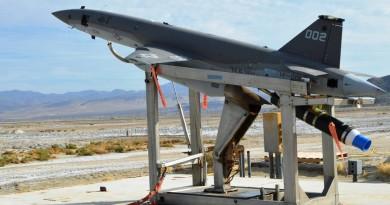 低成本無人戰機登場!UTAP-22 擅於蜂群戰術•XQ-222 可超遠程攻擊
