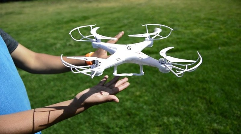 HanDrone 無人機只用手勢操控 手掌一撥即飛上天