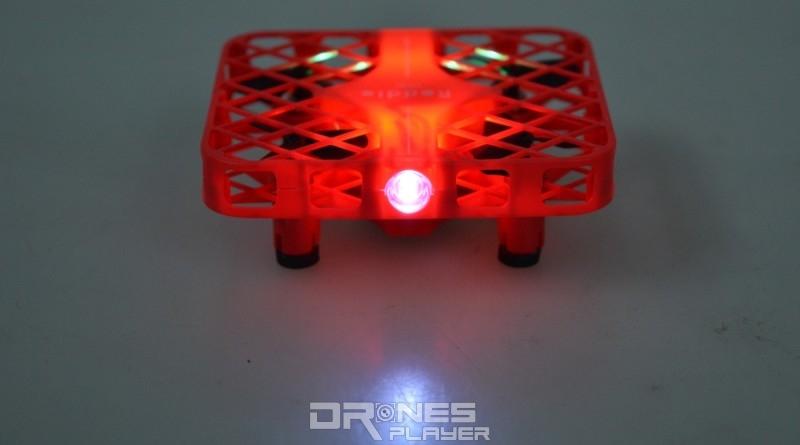 DHD D3 無人機機身前後設有 LED 燈號。