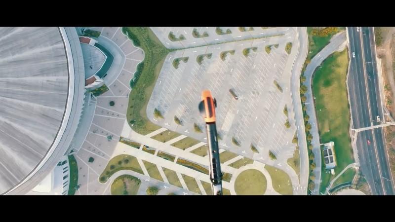 Nintendo Switch 1,000 呎墜落測試 - 墜落前第一身畫面