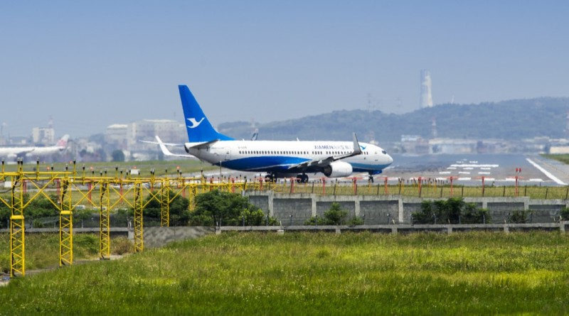 台機場上半年遭無人機入侵 4 度關閉 民航局從速修法監管