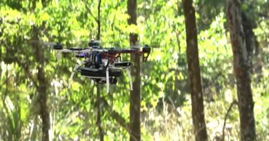 DARPA 無人機無 GPS 導航避障  在戰場自動搜索目標