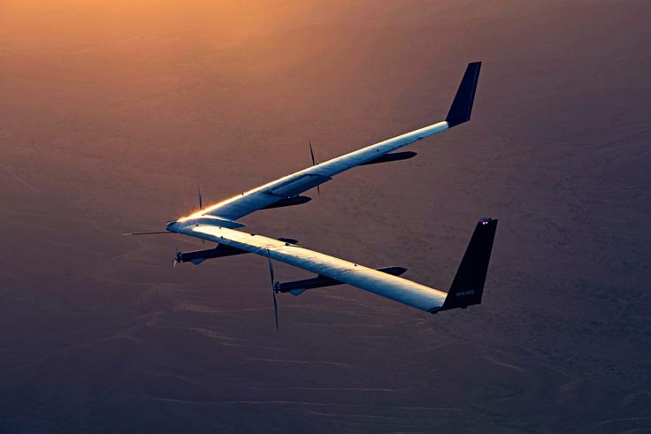 Facebook Aquila 無人機 - 第二次飛行成功 - 飛行中