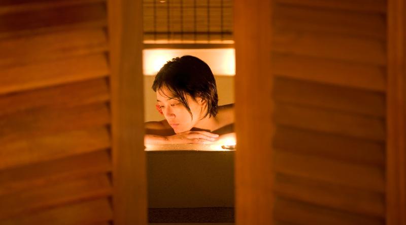 偷窺亞洲女子淋浴