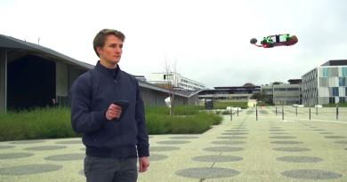 單手可控飛無人機? 瑞士碩士生研發觸控手柄