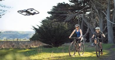 自動駕駛無人機 Skydio R1 面世 智能追蹤避障沒難度