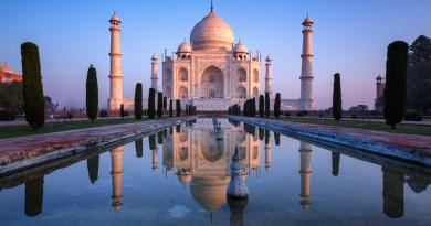 印度加強執法 遊客泰姬陵妄飛無人機可被檢控